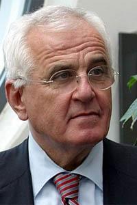 Peter Hartz lance les réformes sociales Hartz IV en 2005
